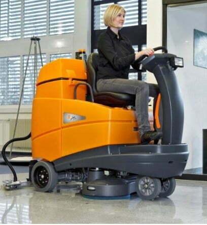 denní úklid podlahy strojově